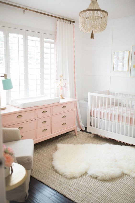 8 Nursery Decor Mistakes | Floor rug example (image from www.theposhhome.com)) | www.nestlingcollective.com
