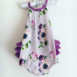 Blueberrybub | Handmade bibs, bibdanas, bow ties, rompers, bloomers, overalls and dresses for your little one | www.nestlingcollective.com