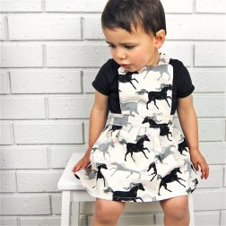 Moeder Fox | Baby and children's clothing that's easy-to-wear, bold, bright and fun | www.nestlingcollective.com